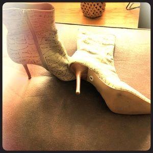 Shoes - Cris Ankle Boots